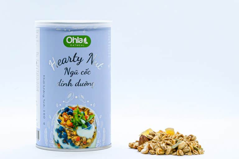 Dried fruits, nuts and nutrition oatmeal Ohla